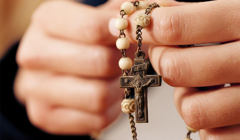 Modlitwa różańcowa - lekarstwo przeciw złu